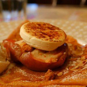 紅玉りんごのオーブン焼きブリュレ仕立て